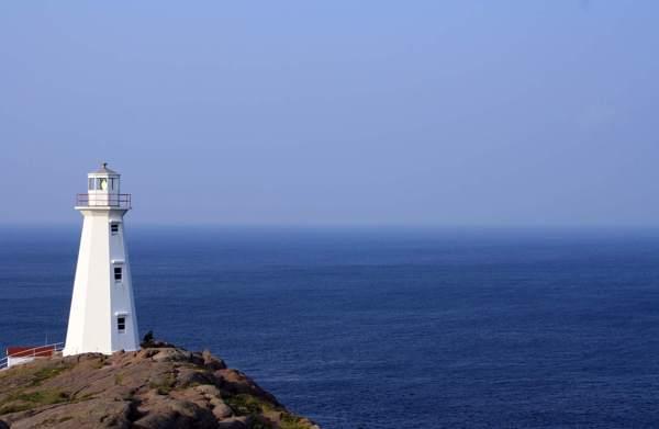 lighthouse-768754-600×375